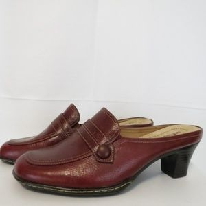 Softspots Women's 7.5 WW Mules Red Leather Heels